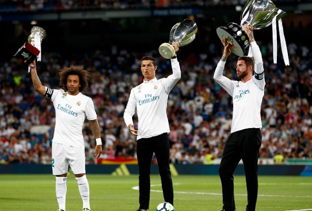 Gallery real madrid finally lift la liga trophy soccerladuma 1503902537a3b68 stopboris Gallery