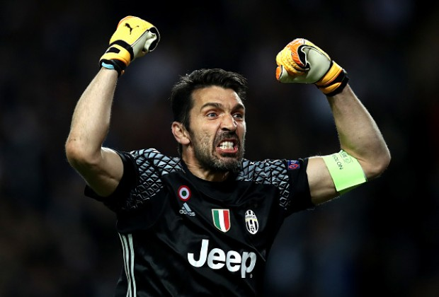 Buffon, Chiellini in Team of the Year