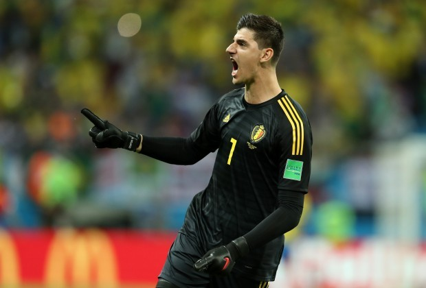 Chelsea seriously consider £100m Real Madrid bid for Willian & Thibaut Courtois